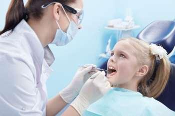 Лечение детских зубов в любое время дня и ночи в клинике EURODENT