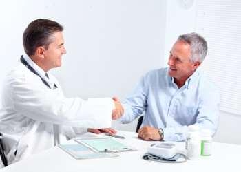 Лечение в Израиле: как выбрать доктора?