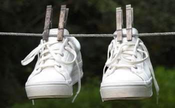 Сушим кроссовки правильно