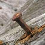 А вы когда-нибудь задумывались из-за чего появляется ржавчина на гвоздях?