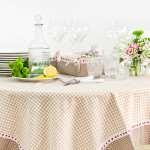 Выбор скатерти на кухню, исходя из материала изготовления