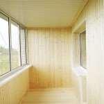 Обшивка балконов вагонкой – заказать недорого