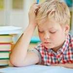 Как помочь ребенку делать уроки
