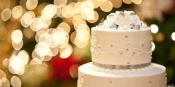Торт сладкий свадебный атрибут