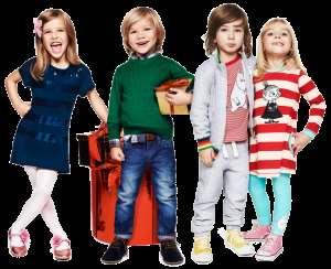 Мамы и папы покупают своему ребенку трикотажную одежду Zarka