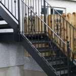 Преимущества металлических ступеней для лестницы