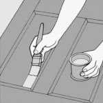 Как происходит покраска дверей из массива сосны