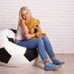 Кресло-мяч как отличное дополнение для современного интерьера