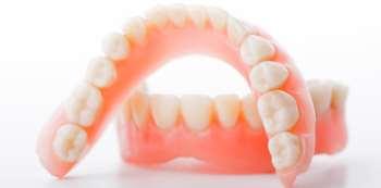 Где можно установить хорошие зубные протезы в Киеве?