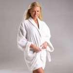 Особенности и преимущества махровых халатов