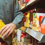 Кража несовершеннолетним в магазине – какие действия охраны правомерны