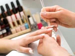 Как выбрать материалы для наращивания ногтей