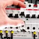Как выбрать подходящий автоматический выключатель?
